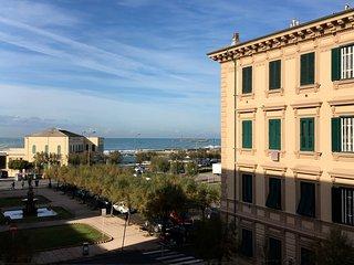 Suggestivo appartamentino vicinanze Accademia Navale, fronte mare, Livorno