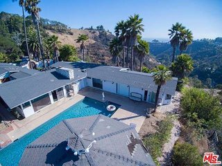 Hollywood Escape with Ocean & City Views, West Hollywood