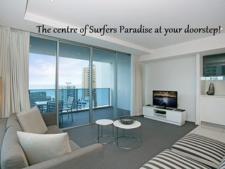 Luxury 2 Bedroom Ocean Views, Surfers Paradise