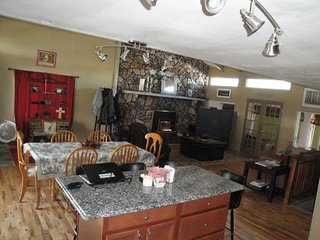 Venado Vacation Home centrally located in Ruidoso comfortably sleeps 10!