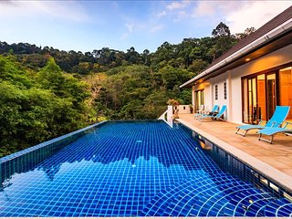 Private pool waterfall jungle villa in Kathu - FREE MOTORBIKE. (BBK Villa)