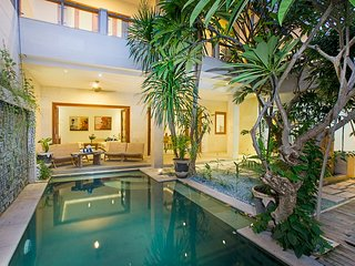 Beautifully Designed Modern 3 Bedroom Villa, Seminyak'