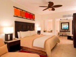 Bedroom area room #715
