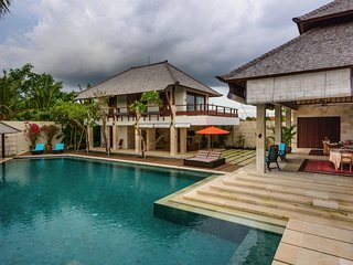 Spacious Sea Views 4 Bedroom Villa, Echo Beach, Canggu