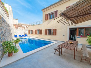 ES TRAST - Villa for 8 people in MARIA DE LA SALUT, Maria de la Salut