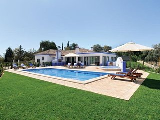 3 bedroom Villa in Boliqueime, Algarve, Portugal : ref 2249188
