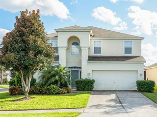 SPACIOUS VACATION HOME RENTAL (6WHS77TB12), Kissimmee