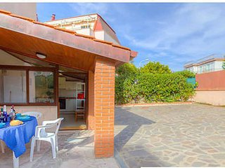 HolidayHome x6 Airco WiFi PRIVATE Parking Beach at50m Fully Equipped Kitchen, Formia