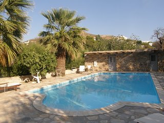 Villa - 700 m from the beach, Poseidonia