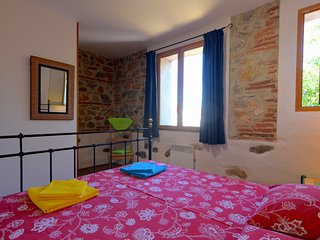 The Red House, a warm family cottage in the heart of a vibrant market village, Saint-Laurent-de-la-Salanque