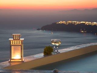Heart of Santorini Sea and Sky villas, Imerovigli