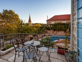 Traditional Dalmatian Villa Vicina with Sea View