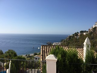 Villa with pool and sea view, La Herradura