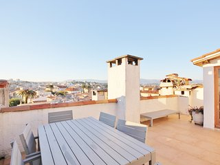 Roof top studio hide-away with amazing terrace sun trap, Old Antibes