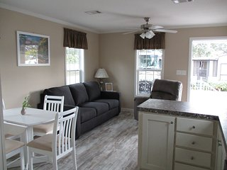 New Park Model Rental on RV Resort in Zephyrhills!