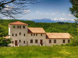 French holiday gites near Carcassonne & Pyrenees sleeps 4, Chalabre