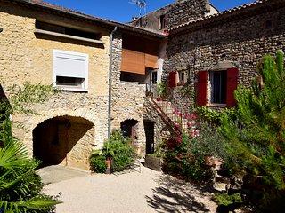 Gites 2 a 18 personnes Ales en Cevennes Gard