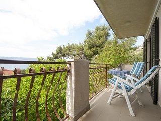 Apartment Tamara- Three Bedroom Apartment with Balcony