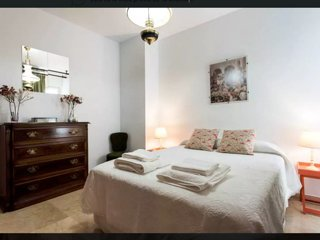 Apartamento en Carlos Cañal. Pleno Centro de Sevilla, Sevilha