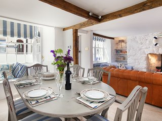 Sea Dream Cottage - A luxuriously Refurbished Cottage in the Centre of Shaldon!