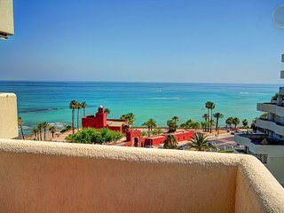 BENALBEACH BEACHFRONT 1 BEDROOM APT. WITH FREE SPA, Benalmadena