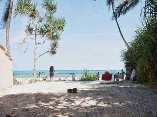 kirathimo explorers oasis, Diani Beach