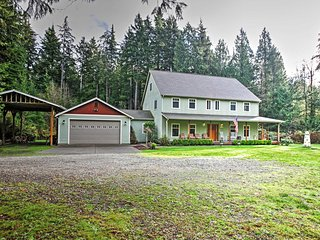 Grand 'Del Mar Chateau' 7BR Gig Harbor House