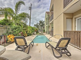 Ground Floor South Padre Isl. Condo w/Pool Access!