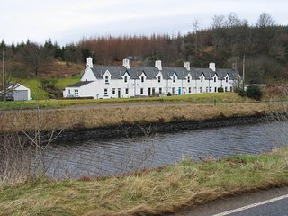 Crinal Canal Cottage No8, Cairnbaan, Lochgilphead - Argyll