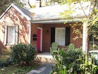 3 Bedroom, Freshly Renovated Cottage in Downtown Raleigh