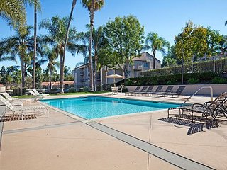 Art-filled 2BR, 2BA Carlsbad Condo w/ Pool - Minutes to LEGOLAND & Beach