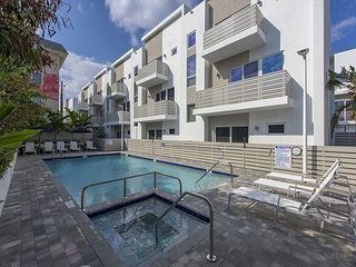 Brand New Ultra-Modern Pompano Beach Townhouse Steps to Beach