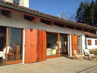Villa con piscina vista laghi sopra Stresa