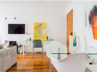 Amazing one bedroom, with bathroom, kitchen and balcony, São Paulo