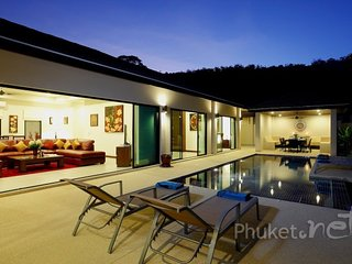 Cosy 3-Bed Pool Villa in Nai Harn