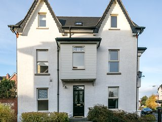 BELFAST MODERN 4 BED TOWN HOUSE, Dundonald