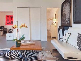 Best Location - Guesthouse/Art Loft, Santa Monica