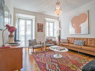Lisbon Apartment - Private Garden