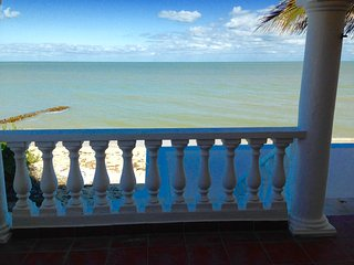 Villa de los Tres Peces - Your Beach Oasis!, Chelem