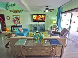 Hugh Beach PH  w Private Heated Gigantic Rooftop & Cook's Kitchen - Wayak 302, Playa del Carmen