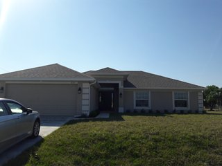 Reasonable in season rental, Cape Coral