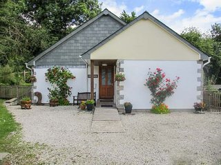 PER ARDUA, single-storey, en-suite, off road parking, patio, in Liskeard, Ref 912231