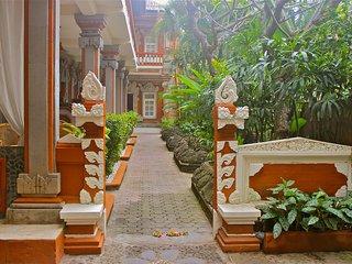 Chonos Hotel Lovina, Kaliasem