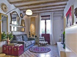 Almodóvar apartment in Poble Sec {#has_luxurious_…, Barcelone
