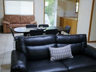 Adina Lodge Holiday Apartments Superior Family Room - min 3 nights - OTA, Bright