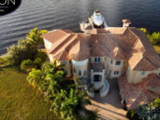 Villa The Bayshore Mansion, Cape Coral
