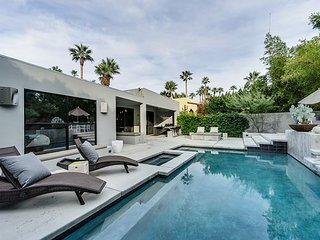 Upscale 3BR, 3.5BA Palm Springs Home with Mountain Views