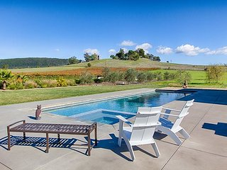 4BR, 3BA Luxury Vineyard Sonoma Retreat - 10+ Acre Estate w/ Private Pool