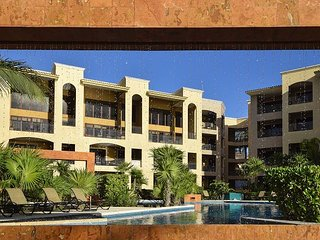 SURPRISE 20% REDUCTION!! Stunning spacious 4 bedroom beachfront condo (EFS208