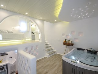 Grand Sea View Signature Suite with Jacuzzi